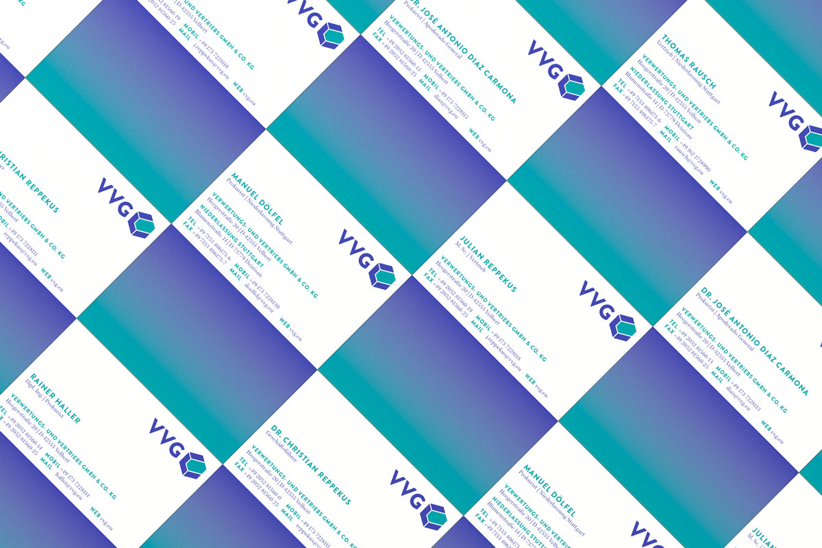 /var/www/vhosts/vvg.eu/website_2016/content/1-unternehmen/2-aktuelles/20160505-neues-logo-zum-25-jaehrigen-jubilaeum-der-vvg/vvg_neue-visitenkarten_02.jpg